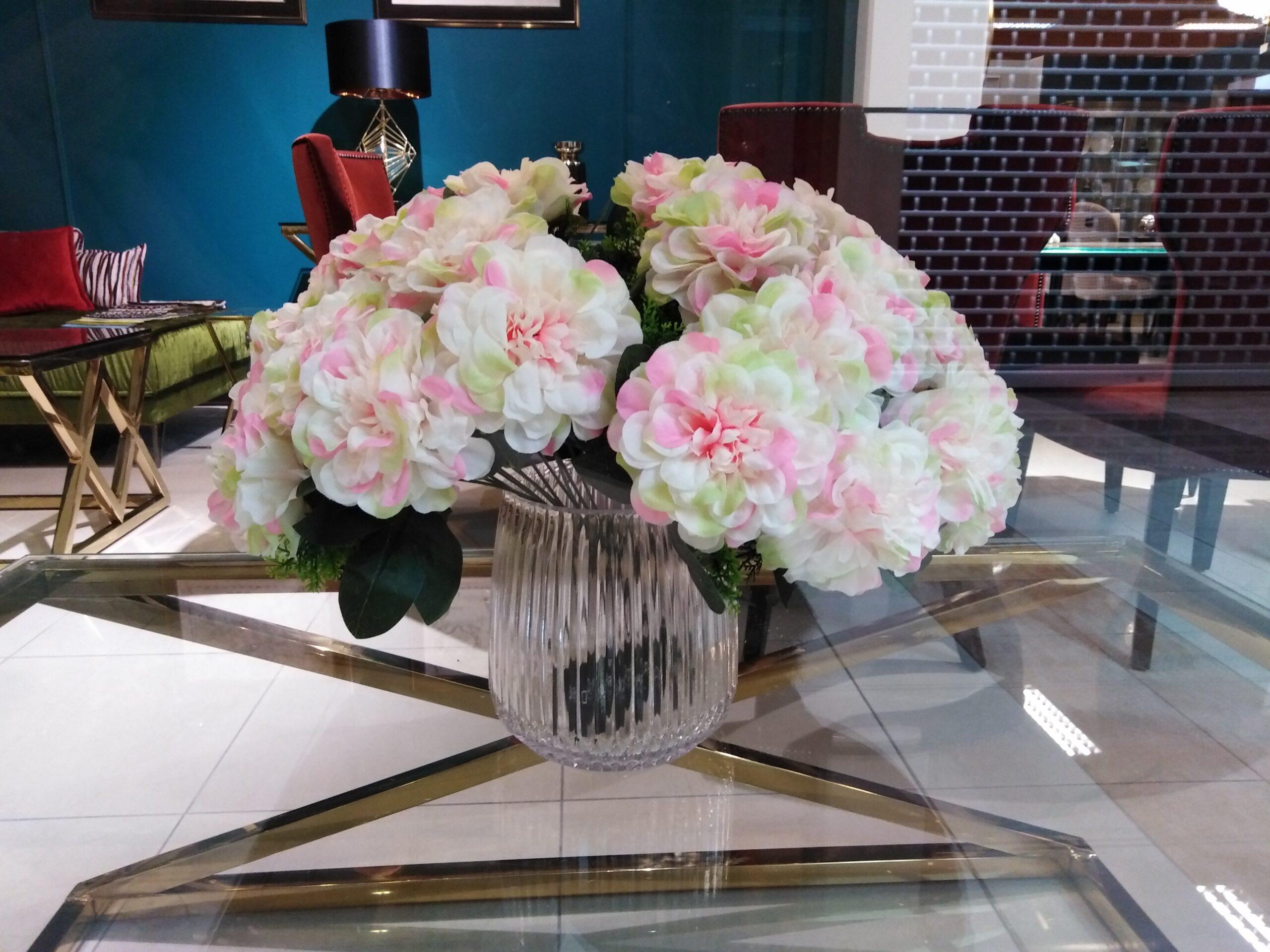 WYPRZEDAŻ -30% zestawy sztucznych kwiatów z ekspozycji